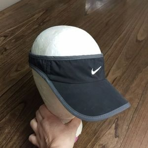Nike Fit Featherlight Black Visor